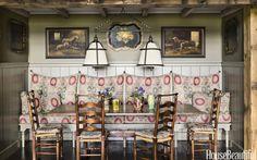 Jane Hawkins Hoke :: Banquette, Old World Weavers fabric; paint, Benjamin Moore Wheeling neutral