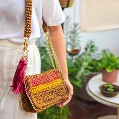 crochelinhasagulhas: Bolsa em crochê by Catarina Mina