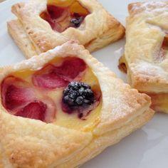 Blätterteig-Pudding-Teilchen mit Früchten Rezept zum Selbermachen - Familienrezepte zum Selberkochen.