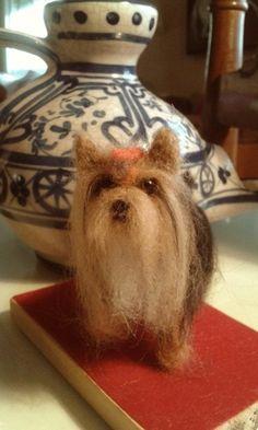 Needle felting Yorkshire dog felted yorkie por MinzooNeedleFelting