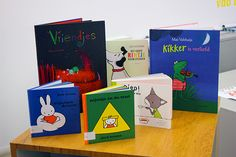 E aqui estão representados alguns dos muitos livros vindos da Holanda.