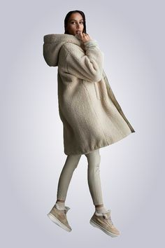 Holland, Fur Coat, Normcore, Sweaters, Fashion Trends, Dresses, Style, Jackets, The Nederlands