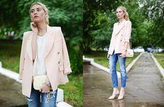 Valeriia Volkova - Frontrowshop Frontrowshop.Com Blazer, Kate Katy.Com Top, Martofchina.Com Bag - AFTER THE RAIN