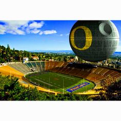 """Not sure a space station technically qualifies as a """"ride"""", but. Ncaa College Football, Football And Basketball, American Football, Baseball Field, California Golden Bears, Oregon Ducks Football, Sports Humor, Funny Sports, University Of Oregon"""