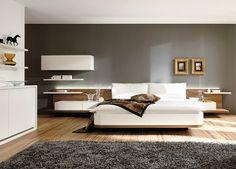 Hulsta slaapkamer Mioletto II stijlvol slapen. Bed, achterwand met twee kussens, wandkast, boekenplank, commode  Kleur: lak wit, natuur eiken accent  http://www.theobot.nl/collectie/5-slaapkamers/92-hulsta.html