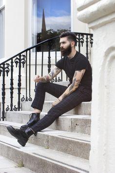 Chris John Millington - Beard and Tats, yes please! Chris Millington, Dr. Martens, Chris John, Men's Street Style Photography, Urban Fashion, Mens Fashion, Beard Boy, Great Beards, Herren Outfit