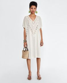 Image 1 de TUNIQUE RUSTIQUE BRODÉE de Zara Urban Apparel, Cheap Fashion, Fashion Looks, Womens Fashion, Rustic Dresses, What To Wear Today, Embroidered Clothes, Urban Outfits, Zara Women