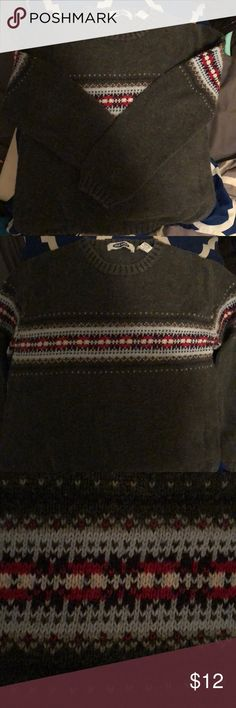 Winter Sweater ❄️ Nice and warm winter sweater. Perfect with jeans. Not a long enough sweater for leggings. Smoke free home. Good condition Old Navy Sweaters Crew & Scoop Necks