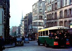 """rue de Ménilmontant - Paris 20ème La rue de Ménilmontant au niveau de la rue Boyer. Une image tirée du """"Le Ballon Rouge"""", 1956."""