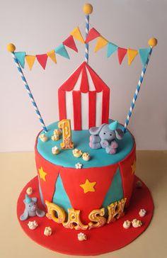 Popcorn on circus cake Carnival Cakes, Circus Cakes, Carnival Themed Party, Carnival Birthday Parties, Circus Birthday, First Birthday Cakes, Birthday Fun, First Birthday Parties, Circus Party