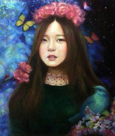 컨셉은 몽환적인 봄의여왕으로 갔습니다.  파랑새는 동화에서 주로 행복이라는 의미가 있어서 만나게 되서 행복하다는 의미, 매화는 봄을 알리는 꽃이며 희망,사랑 이라는 뜻을 넣어봤습니다. 초록옷과 파랑배경 붉은꽃들은 3색으로 대비색 이라는 개념을 넣어서 그림을 더 풍성하게 만들어봤습니다.  주로 그림에서는 짝수보단 홀수를 넣는게 더좋기때문에 나비도 3마리 배경도 3색 꽃/파랑새 포함 3개를 계산적으로 넣어봤습니다. 내일 줄 예정인데 좋아했으면 좋겠내요 ^^  캔버스10호 (53x46cm), 유화 기간:16일  진정한 사랑은 영원히  자신을 성장시키는 경험이다.                                            -M. 스캇 펙-