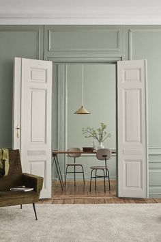 Identity : Jotun Lady new Color chart 2019 - Only Deco Love Green Interiors, Room, Living Room Green, Green Dining Room, Colorful Interiors, Interior, Interior Inspiration, Home, Interior Design