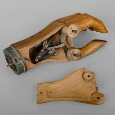 Hand Prosthesis with Mechanical Joint, circa1920 image 2