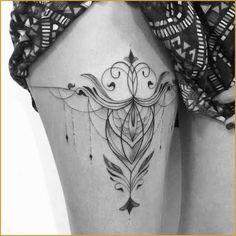 Mandala tattoo design ideas for men and woman Maori Tattoo Arm, Lotusblume Tattoo, Maori Tattoo Designs, Samoan Tattoo, Tattoo Designs For Women, Tattoo Fonts, Tattoos For Women, Sternum Tattoo, Tattoo Bein Frau