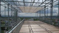Man könnte sie auch textile Architektur-Highlights nennen. Nicht umsonst ist SunSquare mit seinen rafinierten Sonnenschutzsystemen Weltmarktführer. Ibiza, Material, Highlights, Louvre, Building, Travel, Rock Climbing Equipment, Solar Shades, Modernism