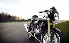 カフェレーサーは大人のバイクカスタム その基礎知識をご紹介