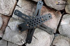 """Der Rampage 5"""" ist der neue FPV Racing Frame von Skull and Drones. Dieser FPV Frame fällt nicht nur durch sein Design auf, sondern wurde auch von dem Entwickler auf Herz und Nieren geprüft. Bestellt werden kann dieser Frame hier: http://skullndrones.com  // Wir freuen uns über die tolle Kooperation und sind stolz diesen Frame fertigen zu dürfen."""