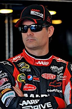 Jeff Wearing His New DVX Sunglasses at Daytona