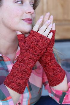 Ravelry: Interwoven Mitts pattern by Katy H. Carroll