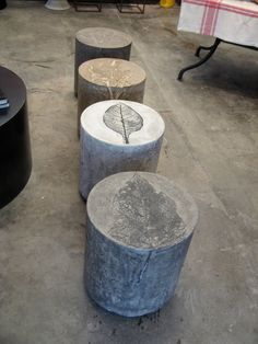 Small Tables or outdoor seating. Really creative! Different leaf imprints can be made on top: Sage Artichoke Eucalyptus Calla Lily many more! I want to attempt to make these--They are concrete and you can use large leaf imprints! Concrete Stool, Concrete Cement, Concrete Furniture, Concrete Design, Dump Furniture, Polished Concrete, Cheap Furniture, Concrete Crafts, Concrete Projects