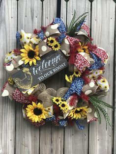 Deco Mesh Wreaths, Door Wreaths, Rustic Kitchen, Rustic Farmhouse, Burlap Projects, Wreath Burlap, Sunflower Wreaths, Frame Wreath, Wired Ribbon