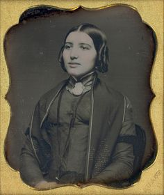 :::::::::::: Antique Photograph :::::::::::: Stunning portrait of a young woman with tremendous poise.