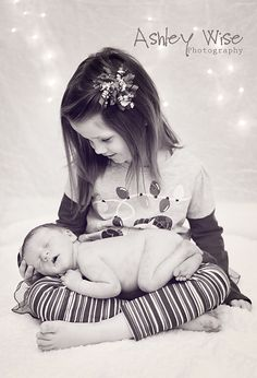Perfect Big Sister Shot - Would be great for birth announcements or holiday photo!