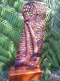 maori carving designs - Google Search Maori Words, Simple Wood Carving, Maori Patterns, Polynesian People, Maori Designs, New Zealand Art, Wood Carving Designs, Maori Art, Kiwiana