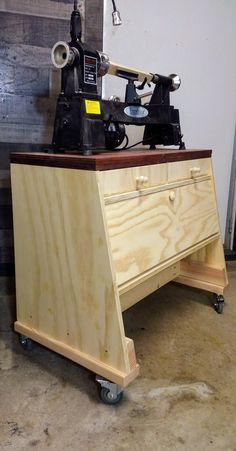 Lathe Stand Build with Storage Best Wood Lathe, Wood Lathe For Sale, Wood Lathe Chuck, Cnc Wood Lathe, Wood Turning Lathe, Woodworking Lathe, Woodturning Tools, Lathe Tools, Wood Tools