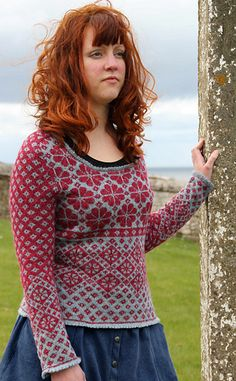 Field Study is one of 16 glorious designs in Stranded Knits, a superb technique manual and pattern collection that Ann created for Rowan Yarns. The book is available from Rowan stockists.