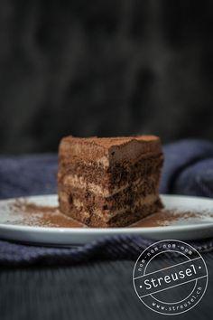 saftige, fluffige, leichte Schokoladenmousse-Torte :) - http://streusel.ch/einfache-schokoladenmousse-torte/