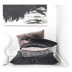 """Stole"" another cool picture from @studiostilista @frustilista #christinalundsteen #cushions #velvet #danishdesign #interior #inspiration #regram"