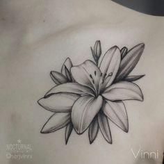 Lilly Flower Tattoo, Lilly Tattoo Design, Skull Tattoo Flowers, Lillies Tattoo, Flower Tattoo Drawings, Orchid Tattoo, Small Flower Tattoos, Flower Tattoo Shoulder, Tattoos Skull