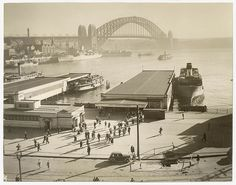 Morning passengers leave the Manly ferry with wharves and Harbour Bridge in the background, Circular Quay, ca. by Australian Geographical Society. Just looks a tad different these days. Sydney City, Sydney Harbour Bridge, Australian Photography, Walkabout, New South, Historical Photos, Continents, East Coast, Aussies