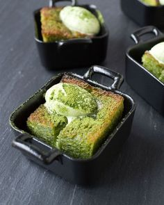 Mini Matcha (Green Tea) Golden Toast - Golden toast is a giant piece of fluffy toast covered in butter and honey. Also called Honey Toast or Brick Toast, here is one I had recently at Cha-An. Green Tea Dessert, Matcha Dessert, Brunch, Brick Toast, Matcha Tee, Honey Toast, Asian Cafe, Green Tea Recipes, Green Tea Powder