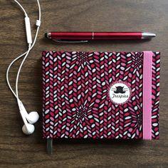 "1 Me gusta, 1 comentarios - - Trespies - (@_trespies_) en Instagram: ""Libretas Trespies  Rosa 3D  #sketchbook #bookbinding #handmadebook #hechoencolombia #notebook…"""