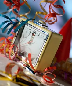 Cool New Year's Eve Party Ideas! Looks like fun! New Years Party Themes, New Years Eve Decorations, New Years Eve Party, Holiday Decorations, New Year's Eve Celebrations, New Year Celebration, New Year's Eve Countdown, Happy New Year Fireworks, Cookie Party Favors