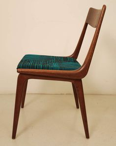 https://www.1stdibs.com/furniture/seating/chairs/set-of-six-dining-scandinavian-chairs/id-f_1005368/