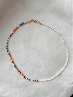 Diy Jewelry Necklace, Bead Jewellery, Cute Jewelry, Beaded Jewelry, Jewelry Accessories, Jewelry Design, Beaded Bracelets, Necklaces, Handmade Wire Jewelry