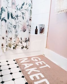 Get Naked Bath Mat Urban Outfitters Home Gifts Home Accessories Bathroom via victoriavitoria Home Design, Interior Design, Urban Outfitters Home, Urban Outfitters Apartment, Uo Home, Bedroom Decor, Wall Decor, Cosy Bedroom, Home And Deco