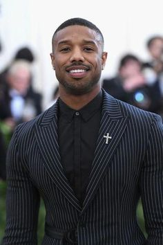 Michael B. Jordan Photos - 972 of 2908 Photos: Heavenly Bodies: Fashion & The Catholic Imagination Costume Institute Gala - Arrivals - Michael B Jordan - Art Fine Black Men, Handsome Black Men, Fine Men, Black Man In Suit, Michael B Jordan, Suit Fashion, Mens Fashion, Fashion Menswear, Classy Suits