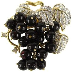 Preowned Vintage 1980s Nolan Miller Grape Cluster Crystal Brooch ($450) ❤ liked on Polyvore featuring jewelry, brooches, purple, crystal jewellery, nolan miller jewelry, pave crystal jewelry, purple jewelry and vintage broach