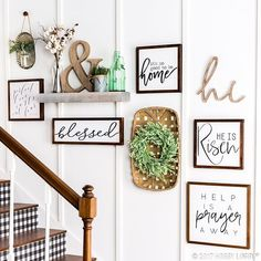 Staircase Wall Decor, Stairway Decorating, Stair Decor, Foyer Decorating, Wood Wall Decor, Stair Landing Decor, Outside Wall Decor, Decorating Ideas, Staircase Ideas