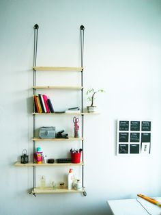 amazing and easy made shelf from ropes and pieces of wood