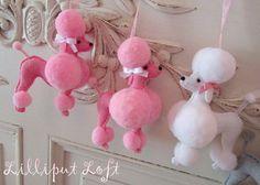 Fifi the French poodle - felt, pompoms Pom Pom Crafts, Yarn Crafts, Felt Crafts, Pom Pom Animals, Felt Animals, Craft Projects, Sewing Projects, French Poodles, Pink Poodle