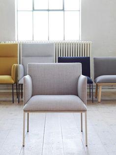 El diseñador Stefan Borselius, diseñó para la reconocida marca sueca de mobiliario, Fogia, una serie de sillas minimalistas.