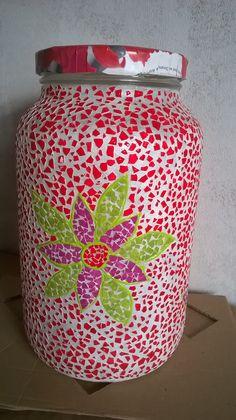 vidro reciclado e decorado com casca de ovo do cantinho da Lili.