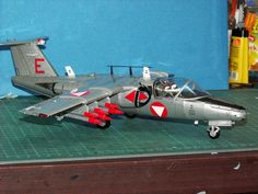 Geli Modell nr. 51 Saab 105 Oe, Maßstab 1:33 Fighter Jets, Aircraft, Model, Aviation, Plane, Airplanes, Planes, Airplane, Jets
