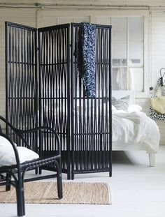 Black bamboo room devider by IKEA – Nipprig collection (SS2015)