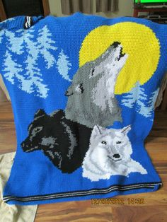 Wolf Afghan Blanket Knit Crochet -- I need to learn how to do this!